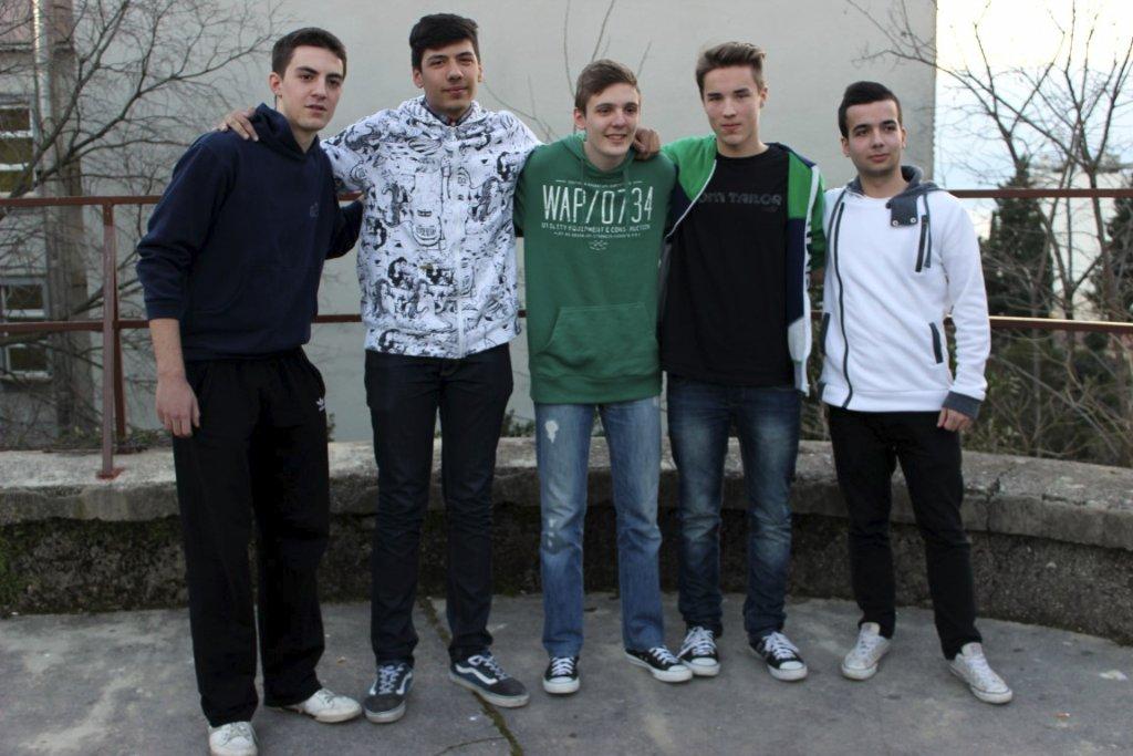 highschooloflegends09
